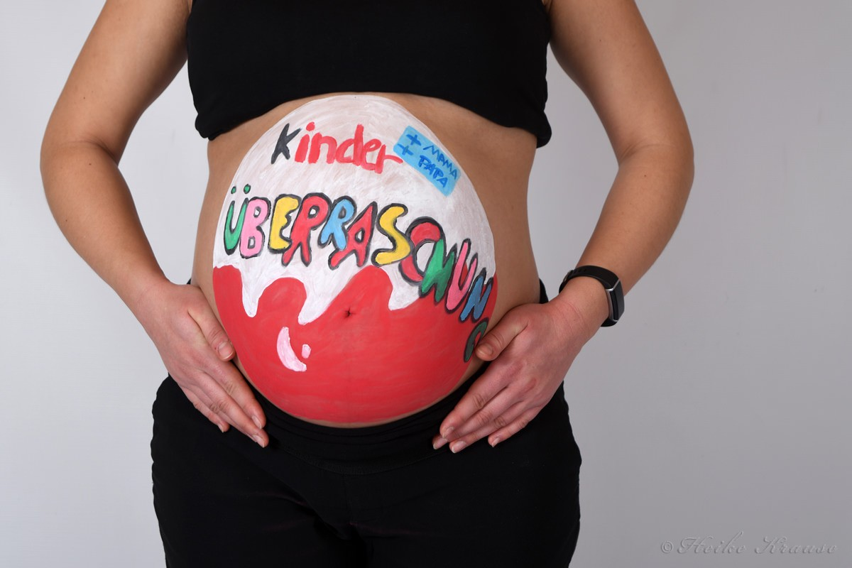 Fotos Babybauch mit Bodypainting in Bleckede